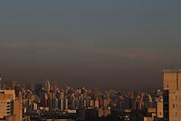 SAO PAULO, SP, 09-06-2014, CLIMA TEMPO. A capital paulista amanheceu nessa segunda-feira (9) com céu sem nuvens na região da Mooca, zona leste de São Paulo.         Luiz Guarnieri/ Brazil Photo Press.