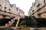 """20050519 - France - Dijon<br /> REPORTAGE SUR LA VILLE DE DIJON : LE QUARTIER DU """"NOUVEAU CITEAUX""""<br /> Ref: DIJON_001-148 - © Philippe Noisette"""