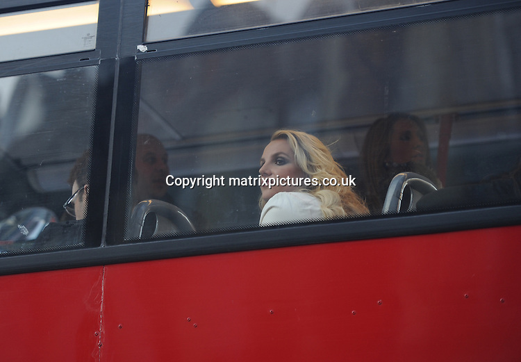 NON EXCLUSIVE PICTURE: PALACE LEE / MATRIXPICTURES.CO.UK<br /> PLEASE CREDIT ALL USES<br /> <br /> WORLD RIGHTS<br /> <br /> American singer Britney Spears is pictured exploring London on a double decker bus. <br /> <br /> The 31 year old is seen smiling as she looks out the bus window.  <br /> <br /> OCTOBER 15th 2013<br /> <br /> REF: LTN 136762