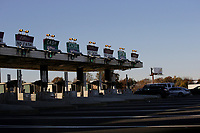 NEW JERSEY, NJ - NOVEMBER 17: Vehicles move along the Garden State Park Way on November 17, 2017 in New Jersey. United States still contributting to the global greenhouse gas emissions as the Trump Administration have dismantled the U.S. foreign-policy to reduce carbon pollution, political divisions in the United States over climate change spilled over to the outside world has been seen at the COP23 United Nations Climate Change Conference that ends today in Bonn, Germany (Photo by Kena Betancur/VIEWpress/Corbis via Getty Images)