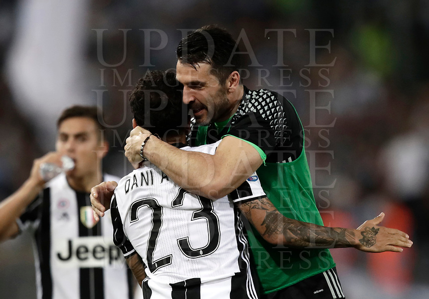 Calcio, Tim Cup: finale Juventus vs Lazio. Roma, stadio Olimpico, 17 maggio 2017.<br /> Juventus' Dani Alves, left, celebrates with his teammate Gianluigi Buffon after scoring during the Italian Cup football final match between Juventus and Lazio at Rome's Olympic stadium, 17 May 2017.<br /> UPDATE IMAGES PRESS/Isabella Bonotto