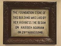 Afrique/Afrique de l'Est/Tanzanie/Dar es-Salaam: Hotel The Courtyard plaque rappelant l'inauguration par la Bégum en 1948