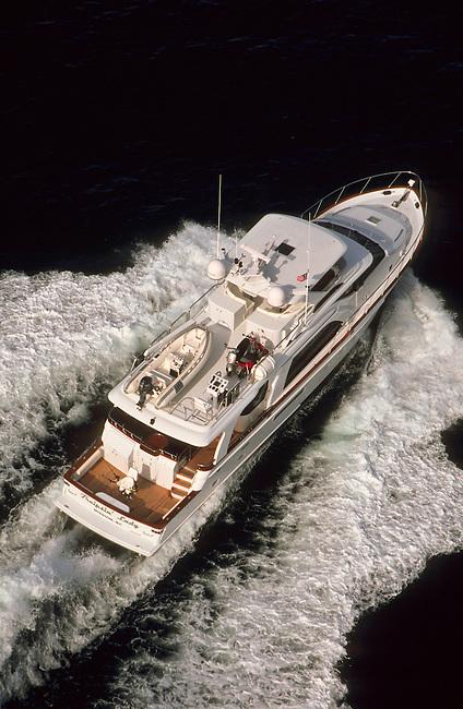 Powerboats,Medium