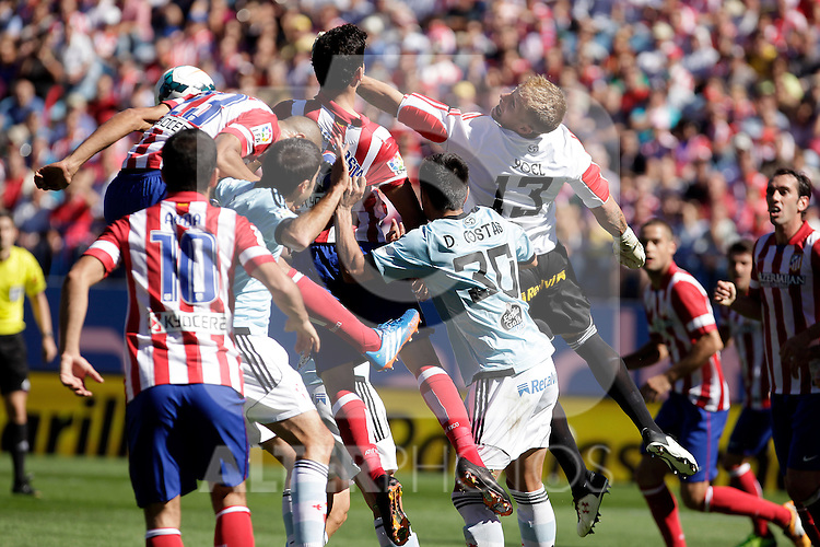 Atletico de Madrid´s and Celta de Vigo´s during La Liga 2013/14 match. October 06, 2013. (ALTERPHOTOS/Victor Blanco)