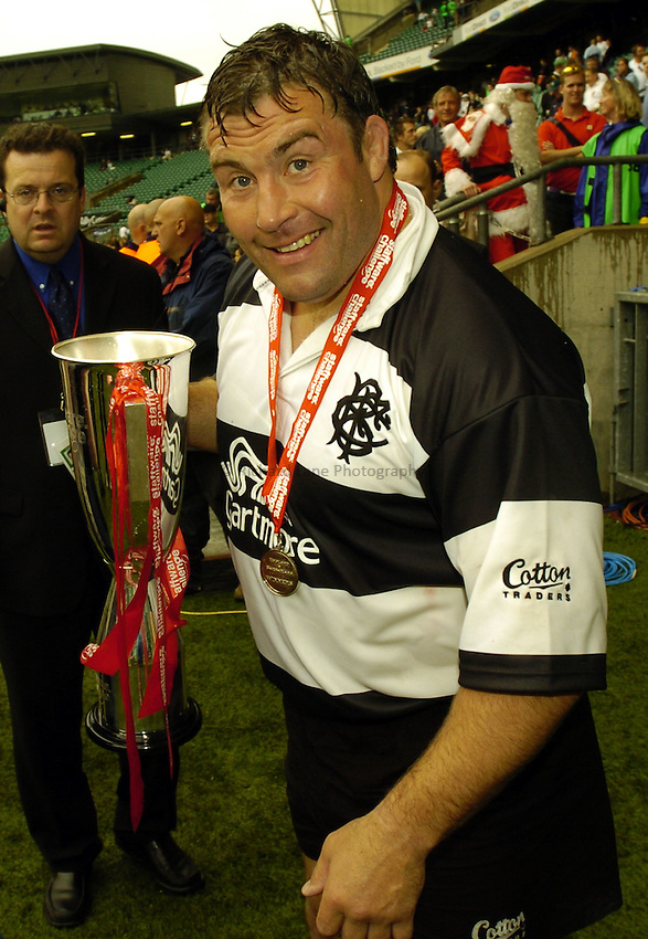 Photo: Richard Lane..England v Barbarians. Staffware Challenge Series. 30/05/2004..Jason Leonard celebrates victory and being awarded man of the match after his last competitive game.