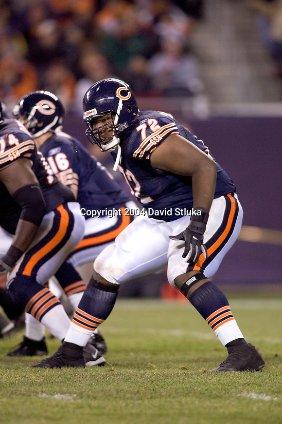 Offensive lineman Qasim Mitchell #72 of the Chicago Bears against the San Francisco 49ers at Soldier Field on October 31, 2004 in Chicago, Illinois. The Bears defeated the Niners 23-13. (Photo by David Stluka)