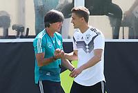 Bundestrainer Joachim Loew (Deutschland Germany) mit Nils Petersen (Deutschland Germany)  - 01.06.2018: Training der Deutschen Nationalmannschaft zur WM-Vorbereitung in der Sportzone Rungg in Eppan/Südtirol