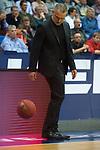 14.04.2018, EWE Arena, Oldenburg, GER, BBL, EWE Baskets Oldenburg vs s.Oliver W&uuml;rzburg, im Bild<br /> spiel mit Ball..<br /> Dirk Bauermann (s.Oliver W&uuml;rzburg #Headcoach, #Head Coach, #Trainer)<br /> Foto &copy; nordphoto / Rojahn