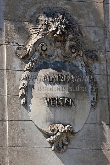 Europe/France/Aquitaine/64/Pyrénées-Atlantiques/Pays-Basque/Bayonne: Médaillon en bas relief de la Maison Velten sur les bords de la Nive