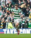 :: THUMBS UP FROM CELTIC'S KRIS COMMONS AFTER HE SCORES THE THIRD ::
