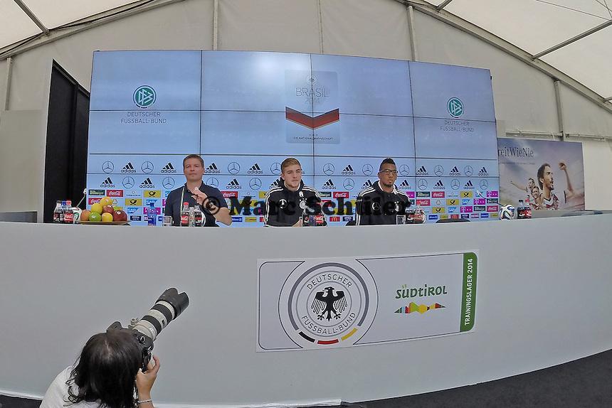 Christoph Kramer und Jerome Boateng - Pressekonferenz der DeutschenNationalmannschaft   im Rahmen der WM-Vorbereitung in St. Martin