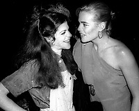 1978 <br /> New York City<br /> Gilda Radner, Margaux Hemingway at Studio 54<br /> CAP/MPI/PHI<br /> &copy;MPI67/Capital Pictures