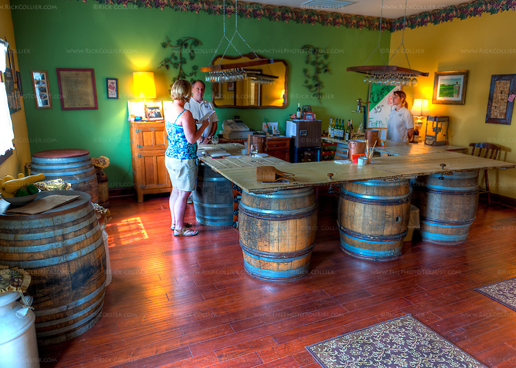 The tasting room bar at General's Ridge Vineyard and Winery.  (HDR image)