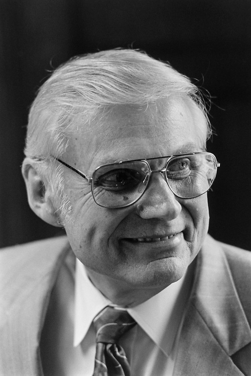 Close-up of Rep. George E. Sangmeister, D-Ill., in 1992. (Photo by Maureen Keating/CQ Roll Call)
