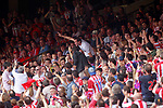 Atletico de Madrid's Diego Godin with the supporters during La Liga match. May 21,2017. (ALTERPHOTOS/Acero)