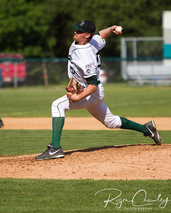 Vermont Mountaineers split a double header with Plymouth Pilgrams; 5-1, 4-2.