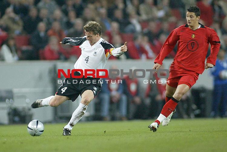Fussball Laenderspiel <br /> Deutschland vs. Belgien <br /> Woerns und Kompany<br /> Foto &copy; nordphoto/Guenter Schroeder  *** Local Caption *** Foto ist honorarpflichtig! zzgl. gesetzl. MwSt<br /> Belegexemplar erforderlich<br /> Adresse: nordphoto<br /> Georg-Reinke-Strasse 1<br /> 49377 Vechta