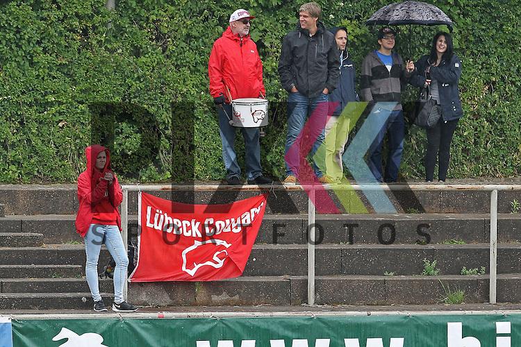 Die weitgereisten Luebeck Cougars Fans im Spiel der Bielefeld Bulldogs - Luebeck Cougars.<br /> <br /> Foto &copy; PIX *** Foto ist honorarpflichtig! *** Auf Anfrage in hoeherer Qualitaet/Aufloesung Belegexemplar erbeten Veroeffentlichung ausschliesslich fuer journalistisch-publizistische Zwecke For editorial use only