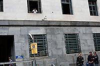 Milano: ingresso del tribunale di Milano durante l'udienza per il processo Mills