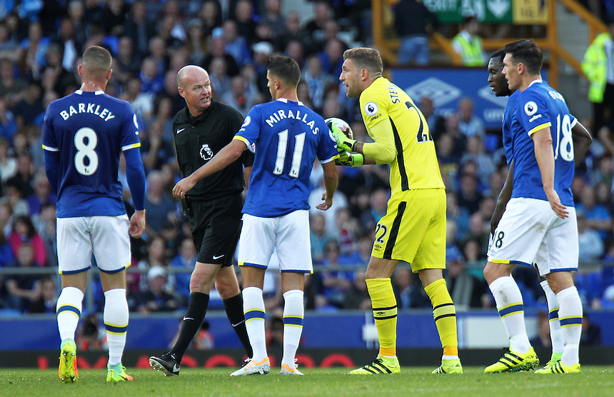 Everton's Maarten Stekelenburg remonstrates with referee Lee Mason after Middlesbrough's Alvaro Negredo scored the opening goal<br /> <br /> Photographer Rich Linley/CameraSport<br /> <br /> The Premier League - Everton v Middlesbrough - Saturday 17th September 2016 - Goodison Park - Liverpool<br /> <br /> World Copyright &copy; 2016 CameraSport. All rights reserved. 43 Linden Ave. Countesthorpe. Leicester. England. LE8 5PG - Tel: +44 (0) 116 277 4147 - admin@camerasport.com - www.camerasport.com