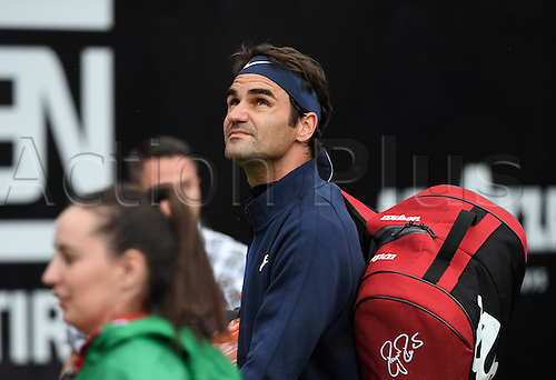 08.06.2016. Stuttgart, Germany.  Switzerland's Roger Federer looks to the sky as he walks off the court due to a rain delay during his second round match against Taylor Fritz of the USA at the ATP tennis tournament in Stuttgart, Germany, 08 June 2016.