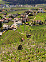 Blick auf Algund-Lagundo, Provinz Bozen &ndash; S&uuml;dtirol, Italien<br /> View of Algund-Lagundo, province Bozen-South Tyrol, Italy