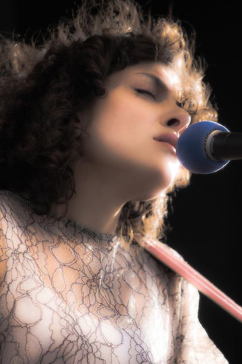 Carrie Rodriguez sings