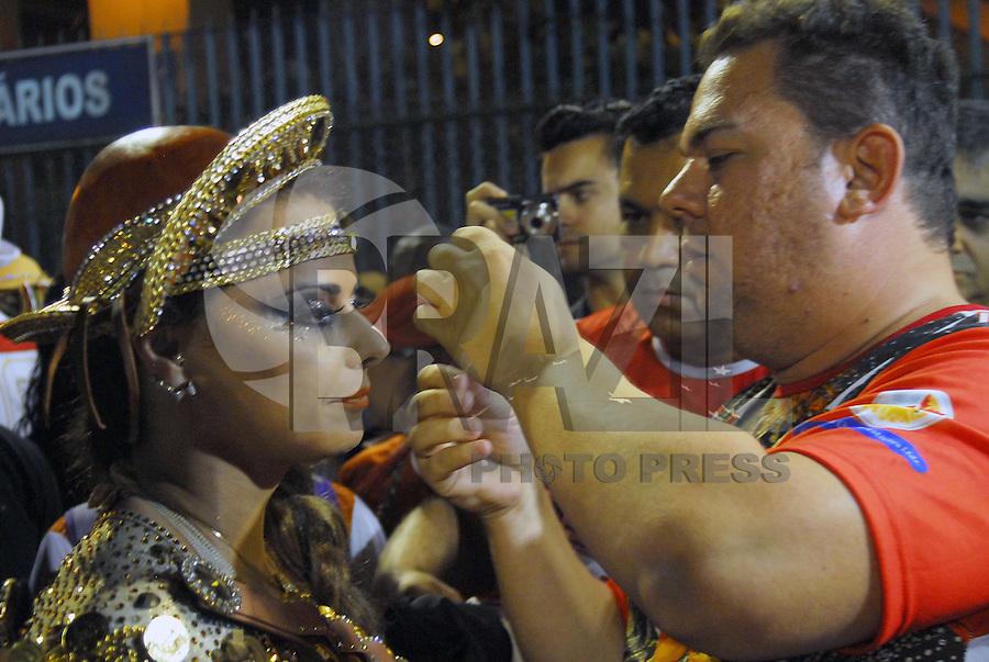 RIO DE JANEIRO, RJ, 29 DE JANEIRO DE 2012 - CARNAVAL 2012 - ENSAIO ACADEMICOS DO SALGUEIROS - Escola de Samaba Academicos do Salgueiro durante ensaio tecnico para o Carnaval 2012, na noite deste domingo, 29, na Marques de Sapucai no Rio de Janeiro. (FOTO: RONALDO BRANDAO - BRAZIL PHOTO PRESS).