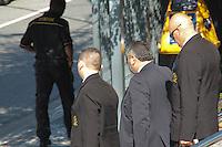 SÃO PAULO,SP, 13.08.2015 - LAVA-JATO - Seguranças do condomínio onde mora o Advogado e ex-vereador do PT Alexandre Romano, são liberados na Polícia Federal após serem detidos na manhã desta quinta-feira (13). Segundo informações preliminares , os Policiais deram ordem de prisão após os seguranças do condomínio não permitirem a entrada dos agentes. (Foto: Marcio Ribeiro/Brazil Photo Press)