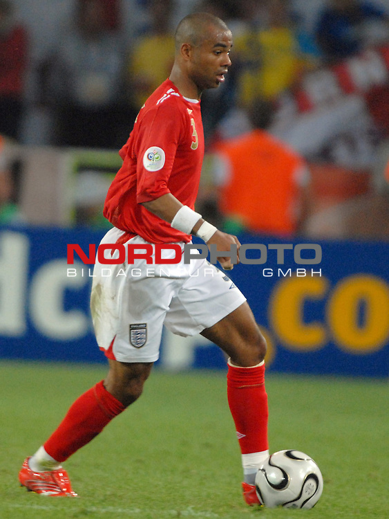 FIFA WM 2006 -  Gruppe B Vorrunde ( Group B )<br /> Play    #35 (20-Jun) - Schweden vs England <br /> <br /> Ashley Cole(ENG)<br /> <br /> Foto &copy; nordphoto
