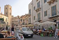 Palermo: torre di guardia medievale del quattordicesimo secolo nel quartiere Albergheria.<br /> Palermo:medieval tower of the fourteenth century in Albergheria district