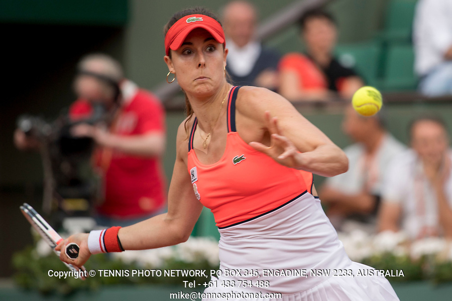 ALIZ&Eacute; CORNET (FRA)<br /> <br /> TENNIS - FRENCH OPEN - ROLAND GARROS - ATP - WTA - ITF - GRAND SLAM - CHAMPIONSHIPS - PARIS - FRANCE - 2017  <br /> <br /> <br /> <br /> &copy; TENNIS PHOTO NETWORK