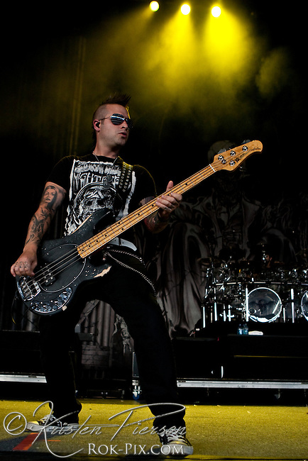 Avenged Sevenfold performing at Mayhem, 2010