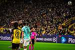05.11.2019, Signal Iduna Park, Dortmund , GER, Champions League, Gruppenphase, Borussia Dortmund vs Inter Mailand, UEFA REGULATIONS PROHIBIT ANY USE OF PHOTOGRAPHS AS IMAGE SEQUENCES AND/OR QUASI-VIDEO<br /> <br /> im Bild | picture shows:<br /> Kopfballball | Torchance durch Mats Hummels (Borussia Dortmund #15),<br /> <br /> Foto © nordphoto / Rauch