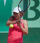 Varvara Lepchenko (USA) defeats Francesca Sciavone (ITA) 3-6, 6-3, 8-6
