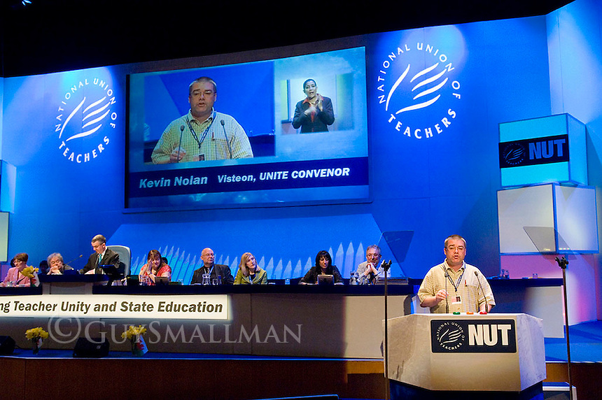 Sacked Visteon Worker Kevin Nolan addresses NUT conference in Cardiff. He was given a standing ovation by delegates.