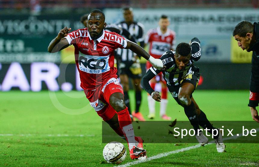 KV Kortrijk - Sporting Charleroi :  duel tussen Herve Kage (links) en Clinton Mata (r)<br /> Foto David Catry | VDB | Bart Vandenbroucke