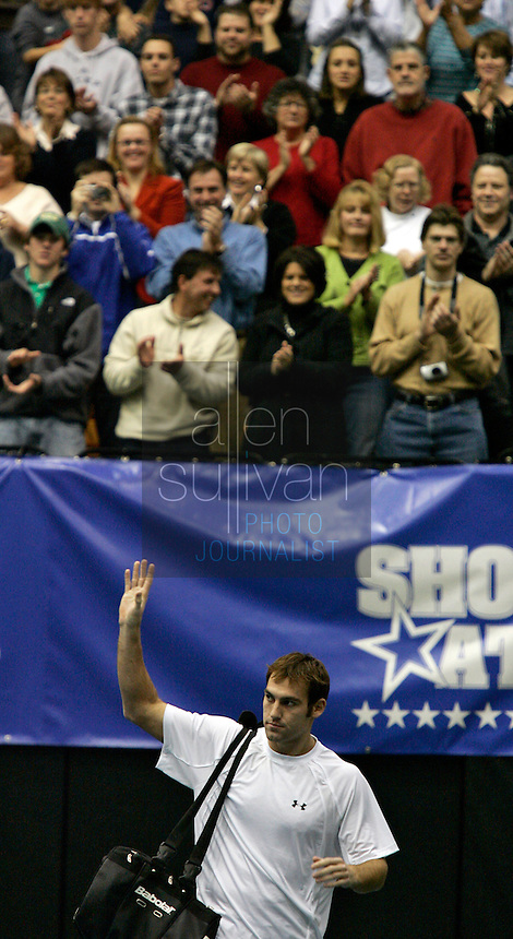 Robby Ginepri at The FedEx Shootout Atlanta at Kennesaw State University on Saturday, Dec. 9, 2006.