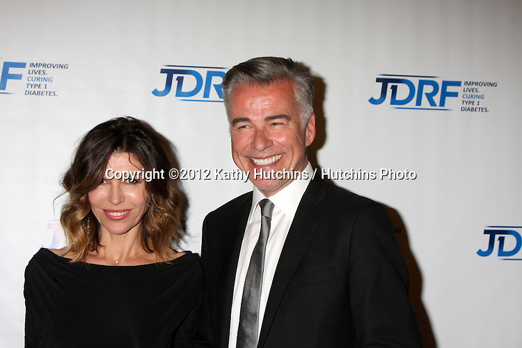LOS ANGELES - MAY 19:  Finola Hughes, Ian Buchanan arrives at the JDRF's 9th Annual Gala at Century Plaza Hotel on May 19, 2012 in Century City, CA