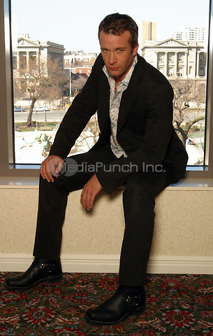Thomas Jane - star of the new film THE PUNISHER photographed in Philadelphia, PA.  March 29, 2004.  © Scott Weiner /MediaPunch.