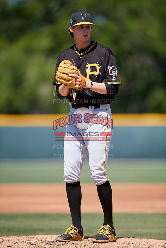 Pittsburgh Pirates pitcher David Lee (60) during a minor league Spring Training game against the Atlanta Braves on March 13, 2018 at Pirate City in Bradenton, Florida.  (Mike Janes/Four Seam Images)