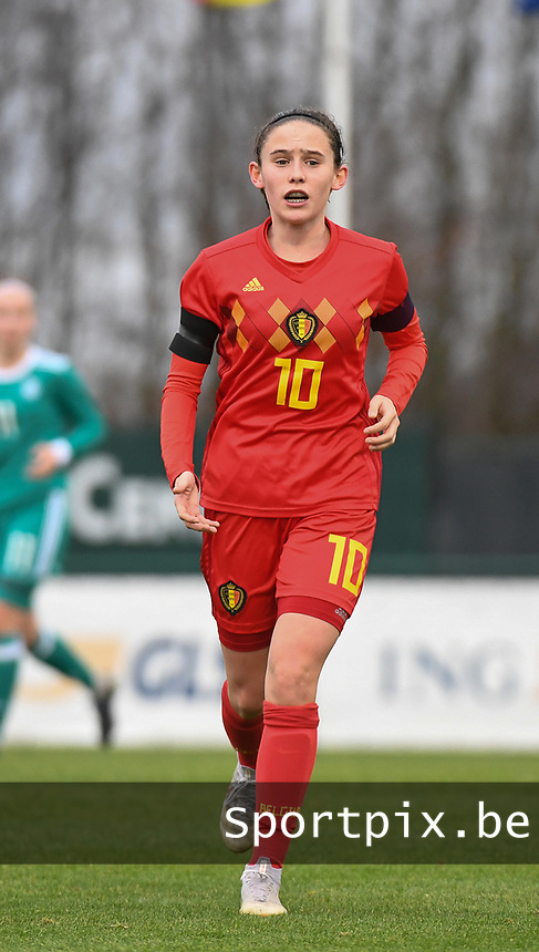 20181205 - TUBIZE , BELGIUM : Belgian Marie Detruyer pictured during the friendly female soccer match between Women under 15 teams of  Belgium and Gemany , in Tubize , Belgium . Wednesday 5 th December 2018 . PHOTO SPORTPIX.BE / DIRK VUYLSTEKE