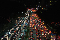 SÃO PAULO-SP-05,09,2014-TRÂNSITO 23 DE MAIO - O Motorista enfrenta lentidão na Avenida 23 de Maio ambos sentidos.Região centro sul cidade de São Paulo, no começo da noite dessa Sexta-Feira,05(Foto:Kevin David/Brazil Photo Press)