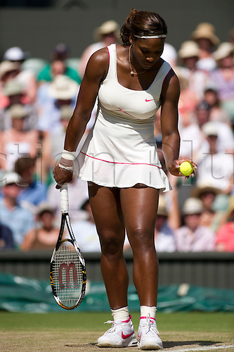 June 28th 2010: Wimbledon International Tennis Tournament held at the All England Lawn Tennis Club, London, England, Serena Williams of USA playing Maria Sharapova of Russia in the 4th round