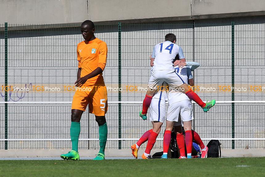 England players congratulate David Brooks after scoring their opening goal during England Under-18 vs Ivory Coast Under-20, Toulon Tournament Final Football at Stade de Lattre-de-Tassigny on 10th June 2017