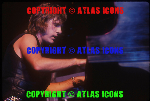 EMERSON LAKE AND PALMER, LIVE, 1977, NEIL ZLOZOWER