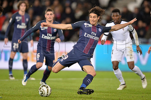 11.01.2017. Paris, France. French league cup football, Paris Saint Germain versus FC Metz.  EDINSON CAVANI (psg) gets into shooting position