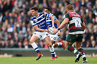 Freddie Burns of Bath Rugby looks to pass the ball. Gallagher Premiership match, between Leicester Tigers and Bath Rugby on May 18, 2019 at Welford Road in Leicester, England. Photo by: Patrick Khachfe / Onside Images