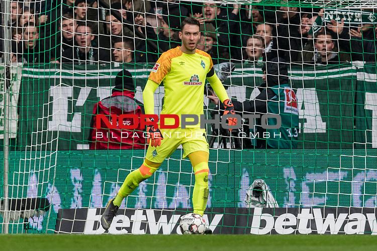 10.02.2019, Weserstadion, Bremen, GER, 1.FBL, Werder Bremen vs FC Augsburg<br /> <br /> DFL REGULATIONS PROHIBIT ANY USE OF PHOTOGRAPHS AS IMAGE SEQUENCES AND/OR QUASI-VIDEO.<br /> <br /> im Bild / picture shows<br /> Jiri Pavlenka (Werder Bremen #01), <br /> <br /> Foto © nordphoto / Ewert