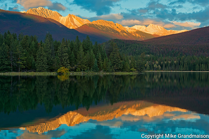 LAke Annette reflection at sunset<br />